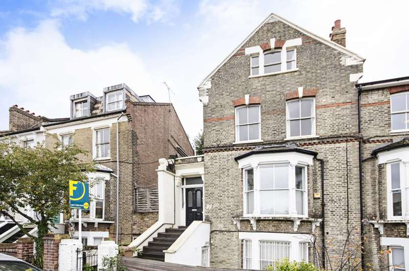 2 Bedrooms Flat for sale in Downs Park Road, Dalston, E8