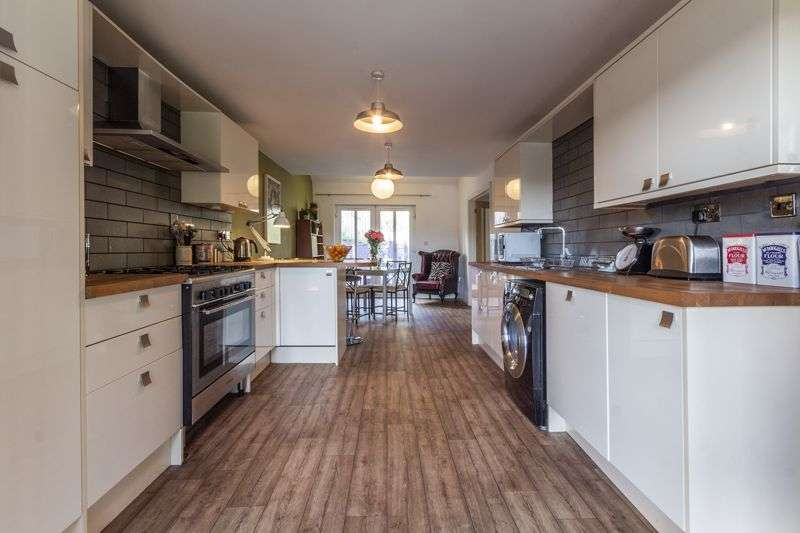 4 Bedrooms Property for sale in Ponthir Road Caerleon, Newport