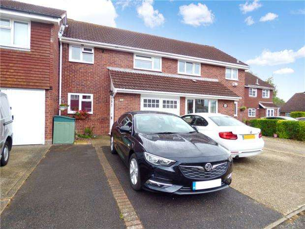 3 Bedrooms Terraced House for sale in Barlow Close, Stubbington, Hampshire
