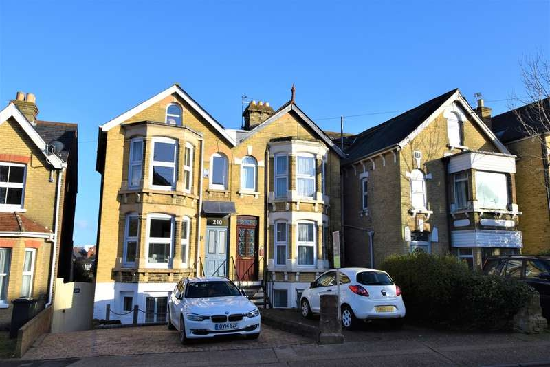 5 Bedrooms Terraced House for sale in Park Road, Cowes