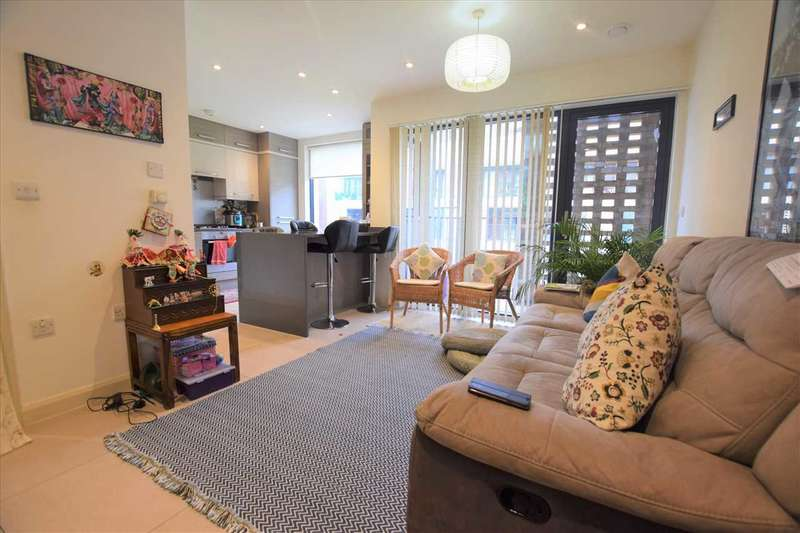 3 Bedrooms Apartment Flat for sale in Palm Court, Alpine Road, Kingsbury