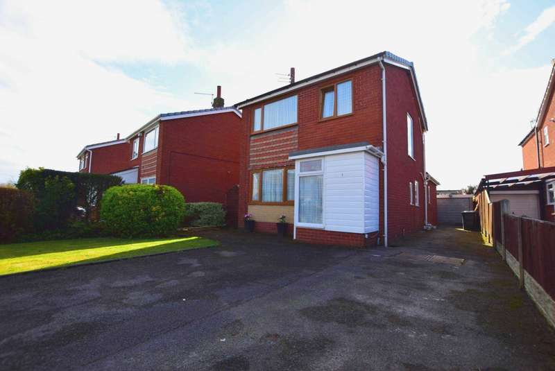 3 Bedrooms Detached House for sale in Maple Grove, Warton, PR4 1DQ