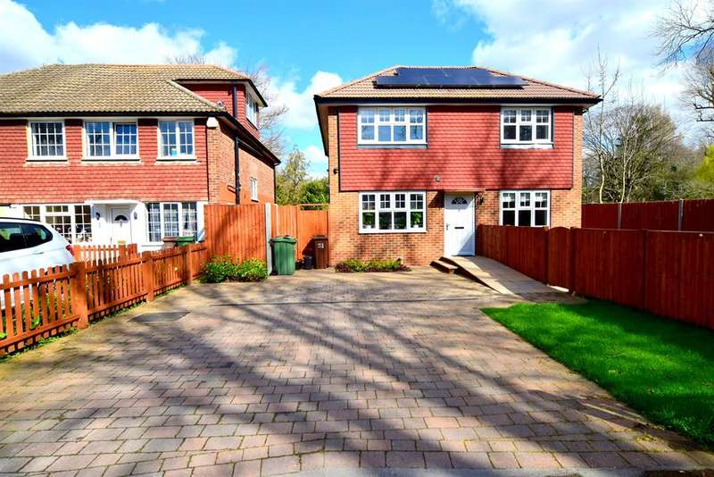 4 Bedrooms Detached House for sale in Riverside Close , SM6