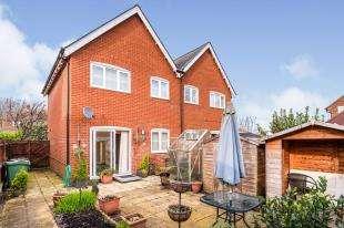 3 Bedrooms Semi Detached House for sale in Horns Road, Hawkhurst, Cranbrook, Kent