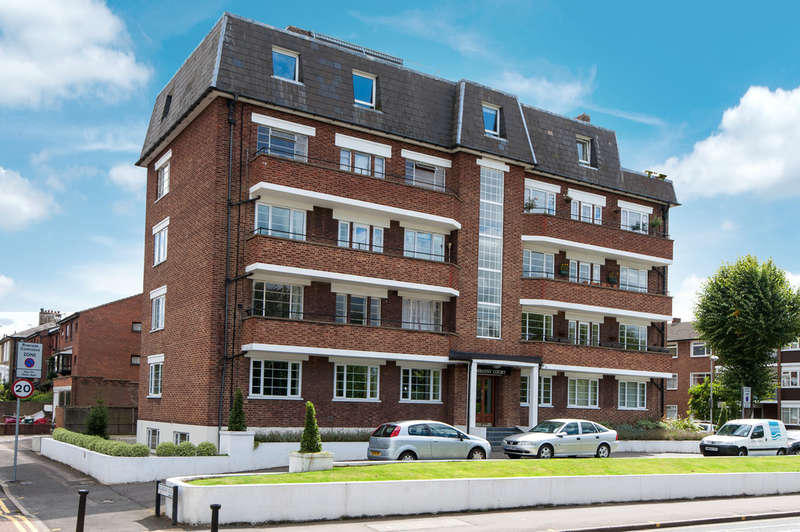 3 Bedrooms Flat for sale in Portsmouth Road, Surbiton