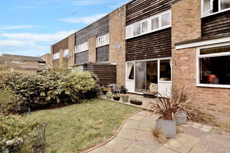 3 Bedrooms Property for sale in Plover Close, Edenbridge