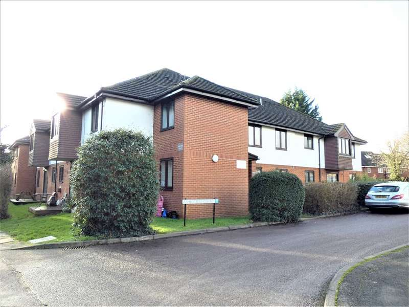 1 Bedroom Property for sale in Ashbourne Court close to Highfield Park AL4