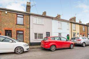 3 Bedrooms Terraced House for sale in Cyprus Road, Faversham, Kent, .