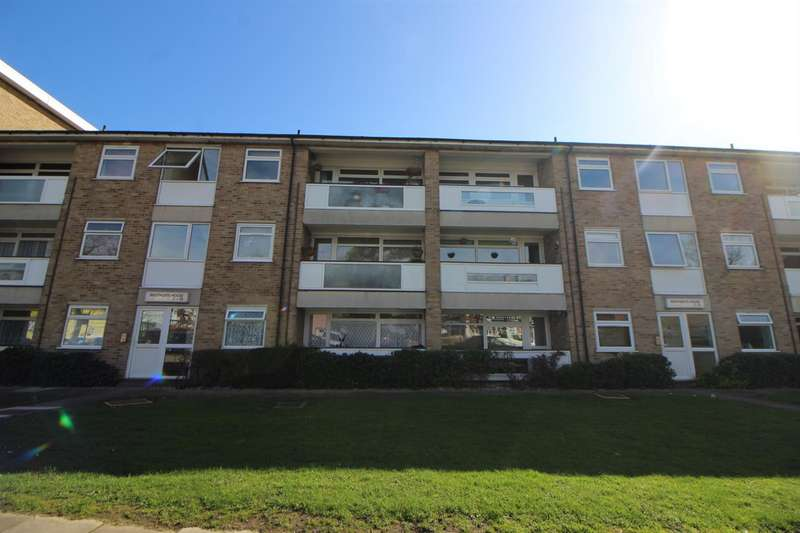 2 Bedrooms Apartment Flat for sale in Turners Hill, Cheshunt, Waltham Cross