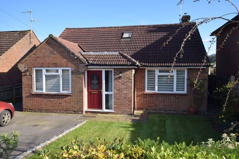 3 Bedrooms Property for sale in View to countryside - adjacent Holybourne village centre
