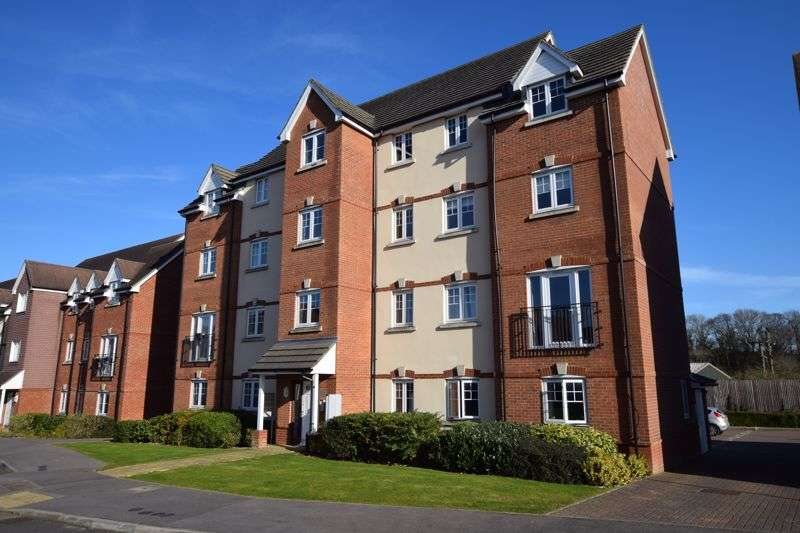 2 Bedrooms Property for sale in Garstons Way, Holybourne, Alton, Hampshire