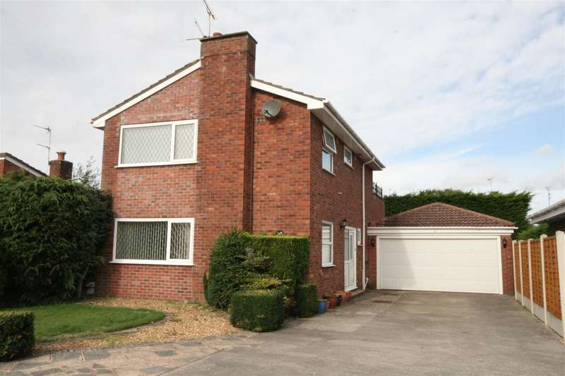 3 Bedrooms Detached House for sale in Harrow Place, West Park, Lytham