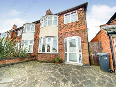 3 Bedrooms Property for sale in Dorchester Road, Leicester