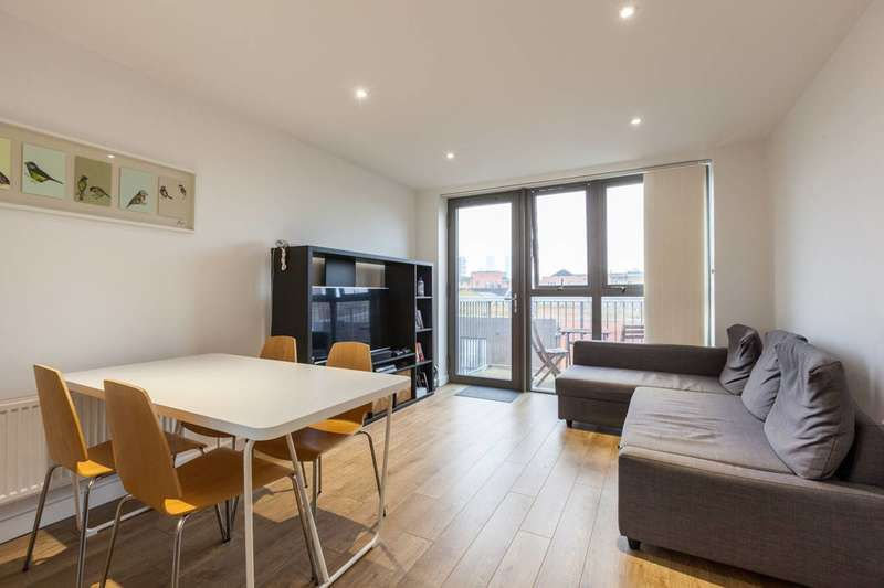 2 Bedrooms Flat for sale in Monsey Place, Stepney, E1