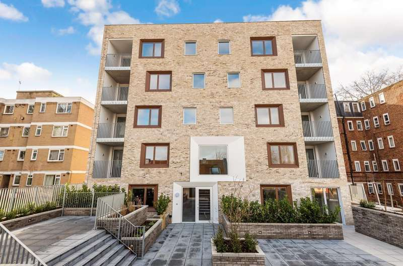 3 Bedrooms Flat for sale in The Marziale, Streatham, SW16