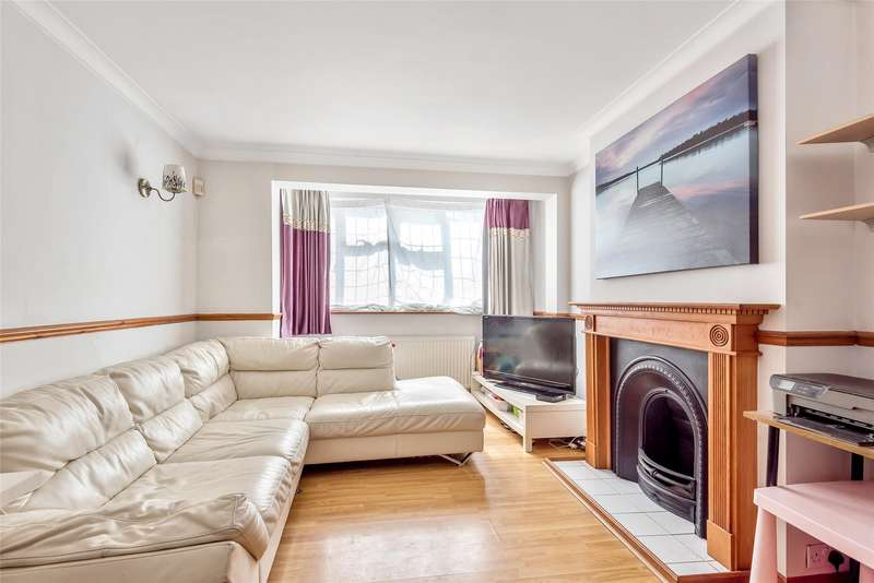 3 Bedrooms End Of Terrace House for sale in Grove Road, Mitcham, Surrey, CR4