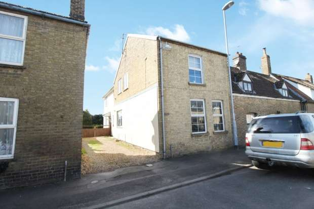 Detached House for sale in High St, Chatteris, Cambridgeshire, PE16 6NN