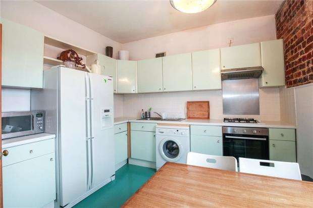 2 Bedrooms Apartment Flat for sale in London Road, London