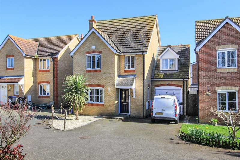 4 Bedrooms Detached House for sale in Ladysmith Grove, Seasalter, Whitstable