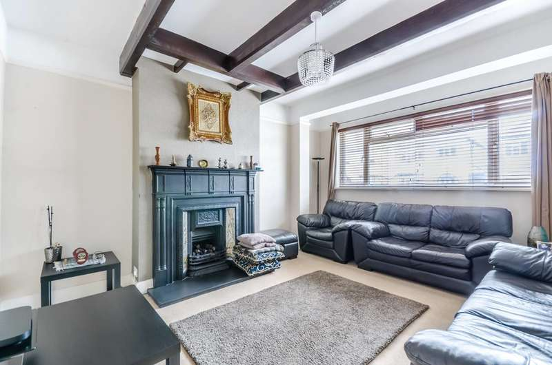 3 Bedrooms Terraced House for sale in Strathbrook Road, Streatham Common, SW16