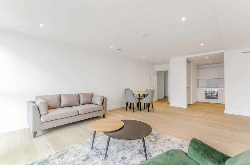 2 Bedrooms Flat for rent in Emerson Court, Angel, N1