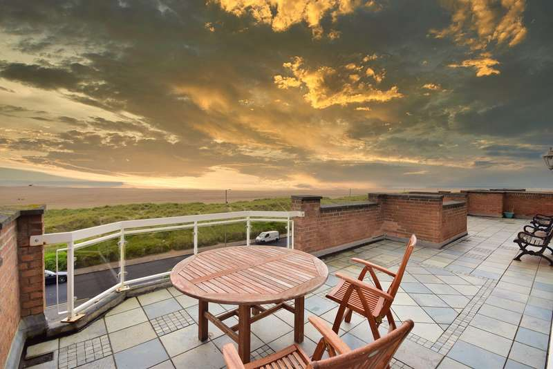2 Bedrooms Apartment Flat for sale in 66 North Promenade, Lytham St Annes, FY8