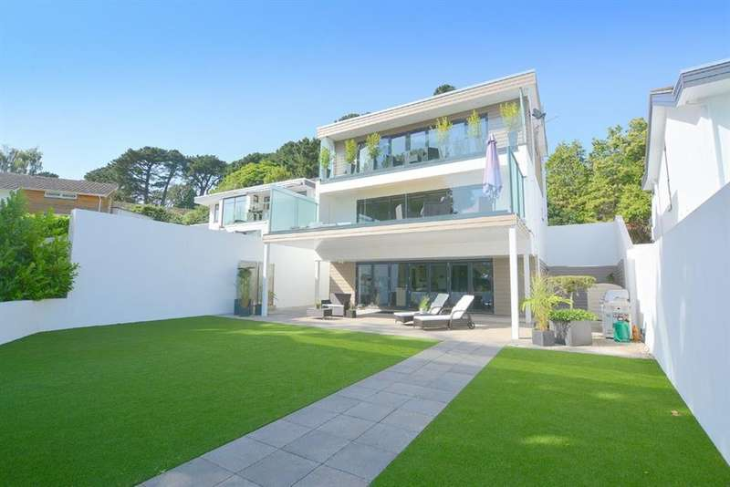 4 Bedrooms Detached House for sale in Middlehill Road, Wimborne, Dorset, BH21