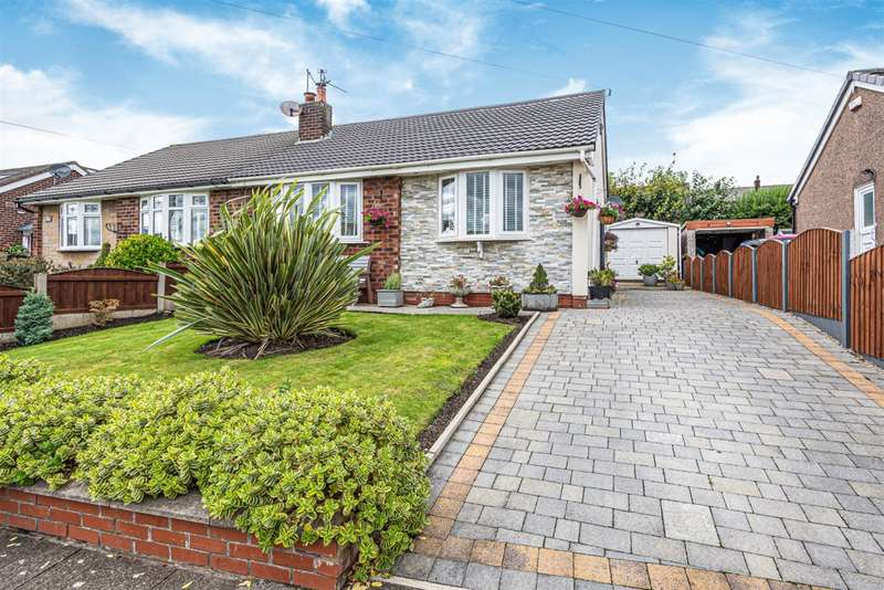 3 Bedrooms Bungalow for sale in Hutton Avenue, Worsley, Manchester, M28 1JP