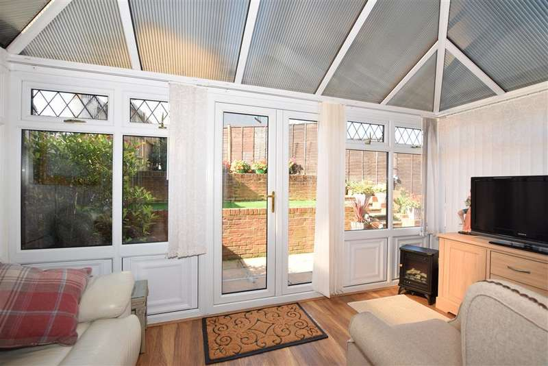3 Bedrooms Semi Detached House for sale in Gorham Drive, , Downswood, Maidstone, Kent