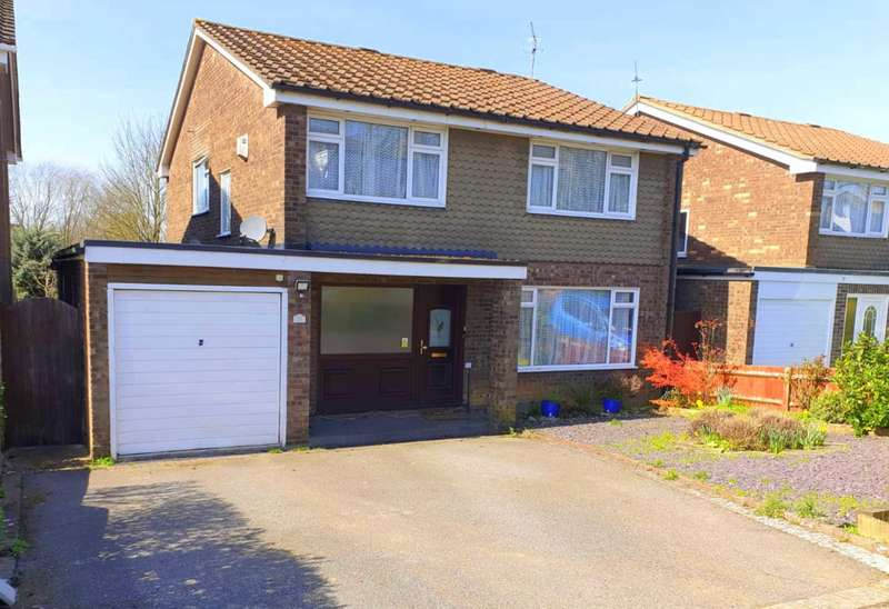4 Bedrooms Detached House for sale in DETACHED house approaching 2,000 sq ft 4 DOUBLE BEDROOMS.