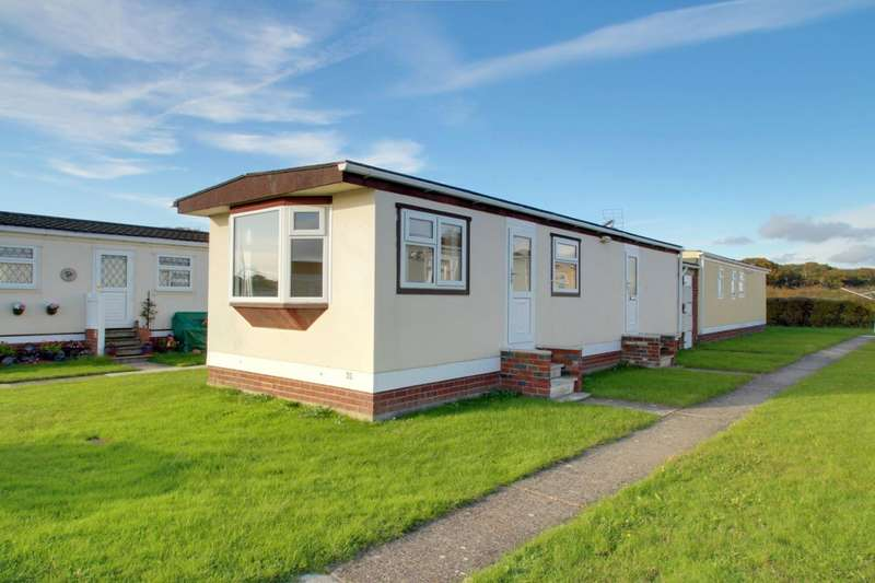 1 Bedroom Park Home Mobile Home for sale in Meadowview Park, St. Osyth Road, Little Clacton