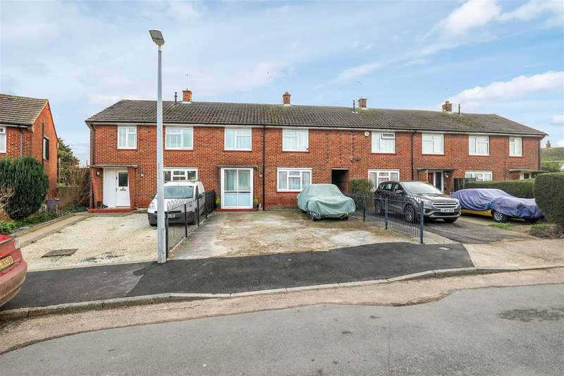3 Bedrooms Terraced House for sale in Chappell Way, SITTINGBOURNE