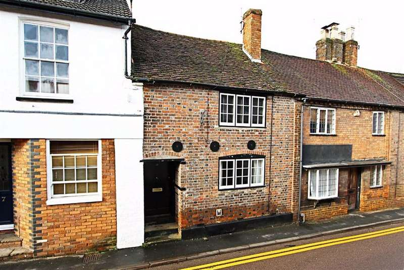 2 Bedrooms Terraced House for sale in Tring, Hertfordshire