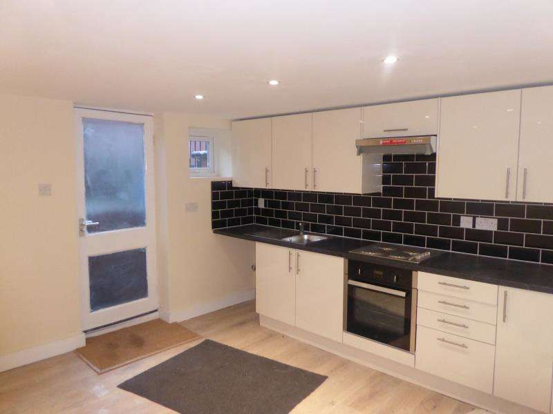 1 Bedroom Flat for rent in Bayswater Mount, Harehills, LS8