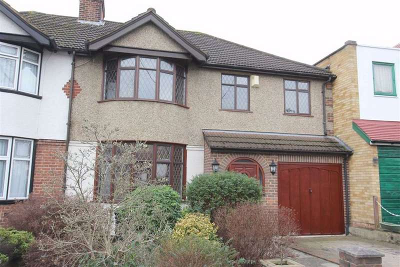 4 Bedrooms Semi Detached House for sale in Dale View Crescent, North Chingford, London