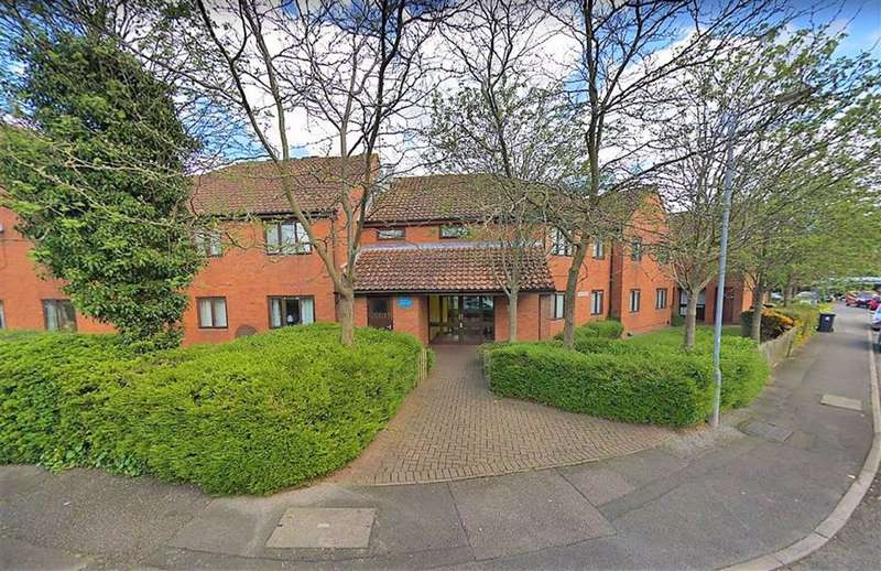 1 Bedroom Flat for sale in Phillimore Place, Radlett, Hertfordshire