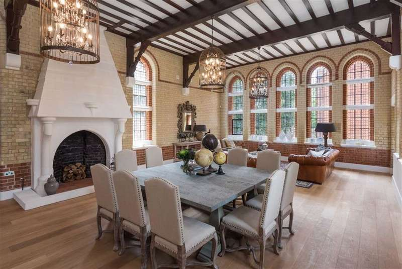 3 Bedrooms House for sale in Wildernesse House, Wildernesse Close, Edgware, HA8