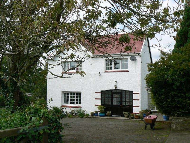 4 Bedrooms Property for sale in Narberth Road, Haverfordwest