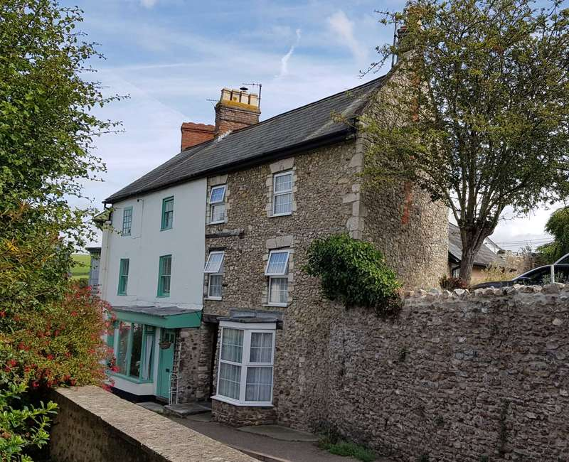 4 Bedrooms Semi Detached House for sale in Dolphin Street, Colyton, Devon