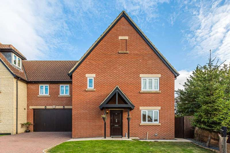 5 Bedrooms Semi Detached House for sale in Manor Court, Rushden, Northamptonshire, NN10
