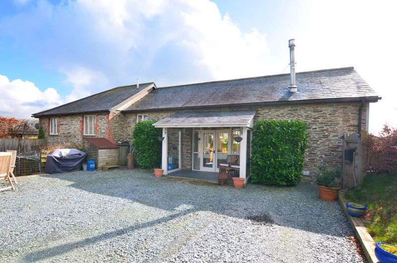 4 Bedrooms Property for sale in QUIET LOCATION CLOSE TO TAVISTOCK