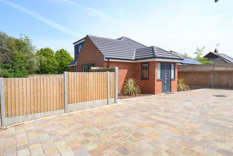 3 Bedrooms Detached Bungalow for sale in Ham Shades Lane, Tankerton, Whitstable