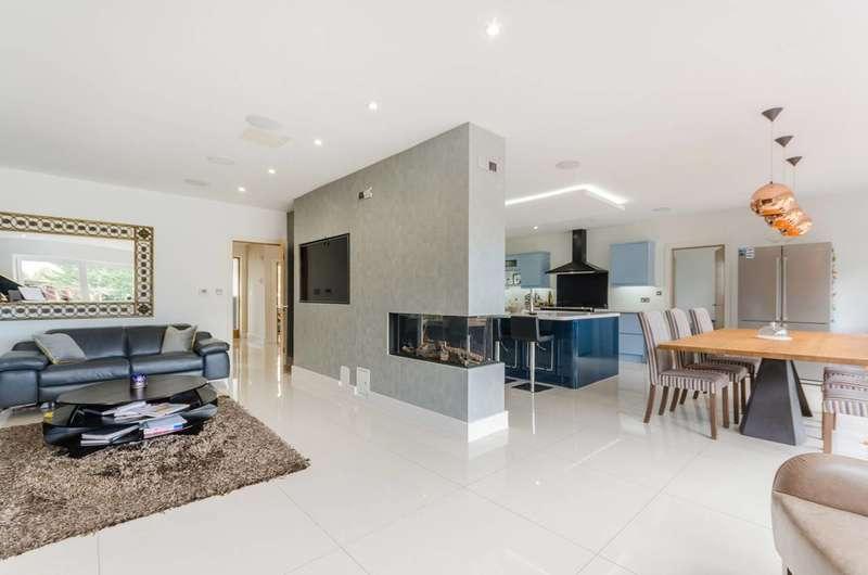 5 Bedrooms Detached House for sale in Kingsmead Avenue, Worcester Park, KT4