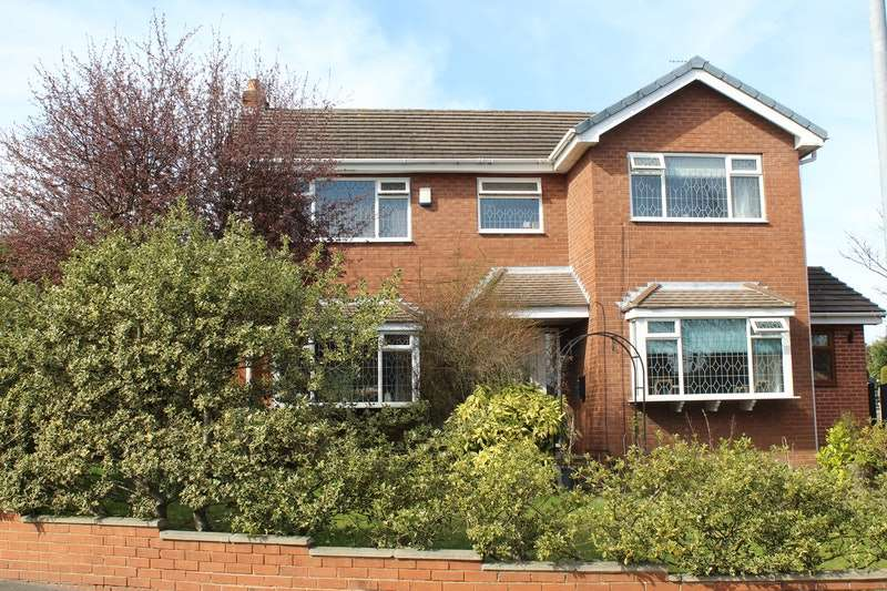 4 Bedrooms Detached House for sale in Fairway, Normanton, West Yorkshire, WF6