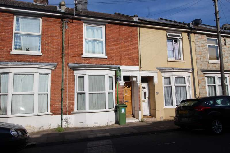 3 Bedrooms House for sale in Harold Road, Southsea, Hampshire, PO4
