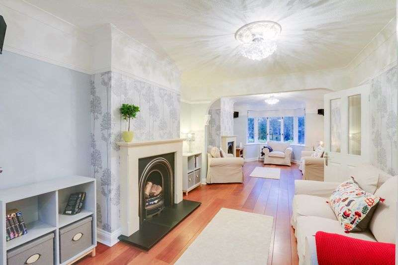 6 Bedrooms Property for sale in Shelvers Way, Tadworth. KT20 5PY