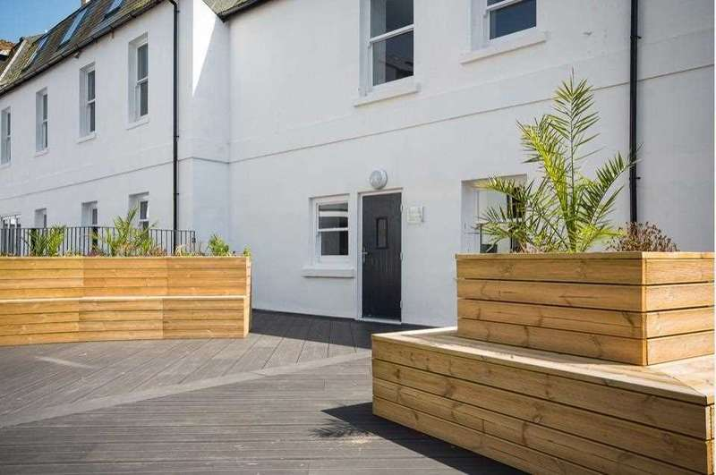 2 Bedrooms Apartment Flat for rent in Bishops Place, Paignton