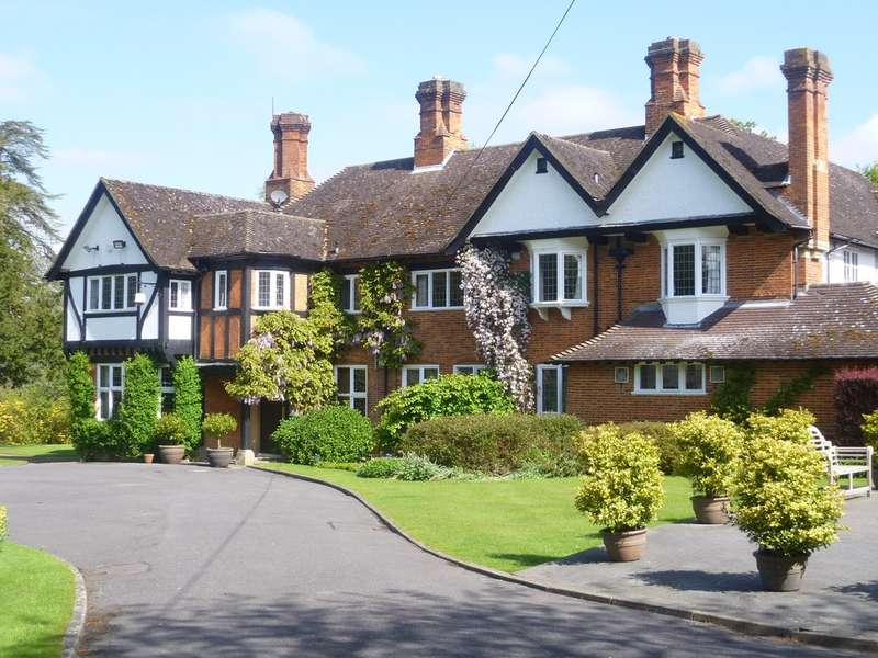 16 Bedrooms House for sale in Felcourt, Sussex/Surrey border
