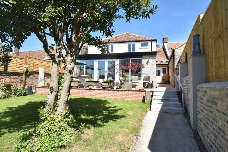 3 Bedrooms Property for sale in West Street, Somerton