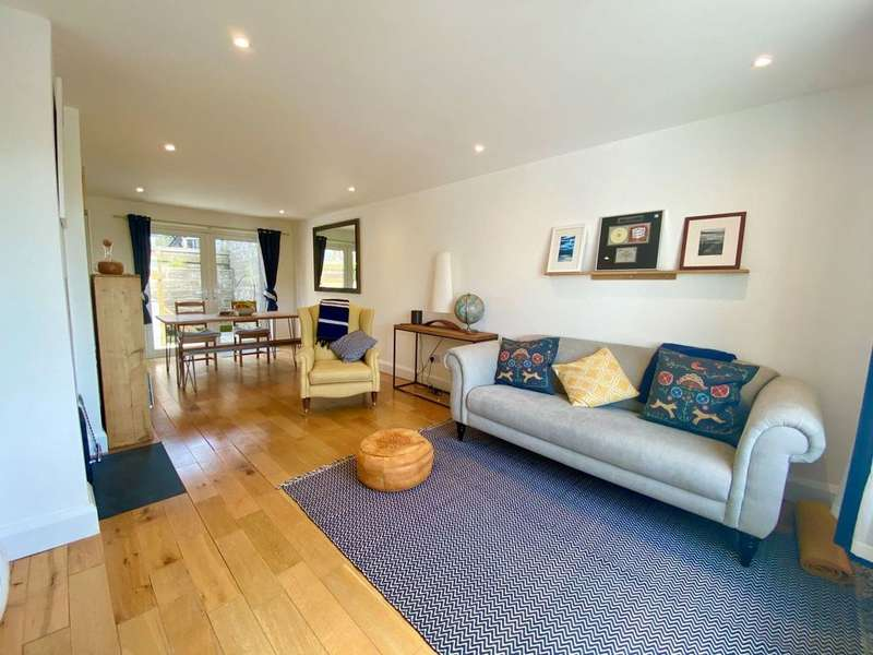 3 Bedrooms Terraced House for sale in Knowle, Braunton